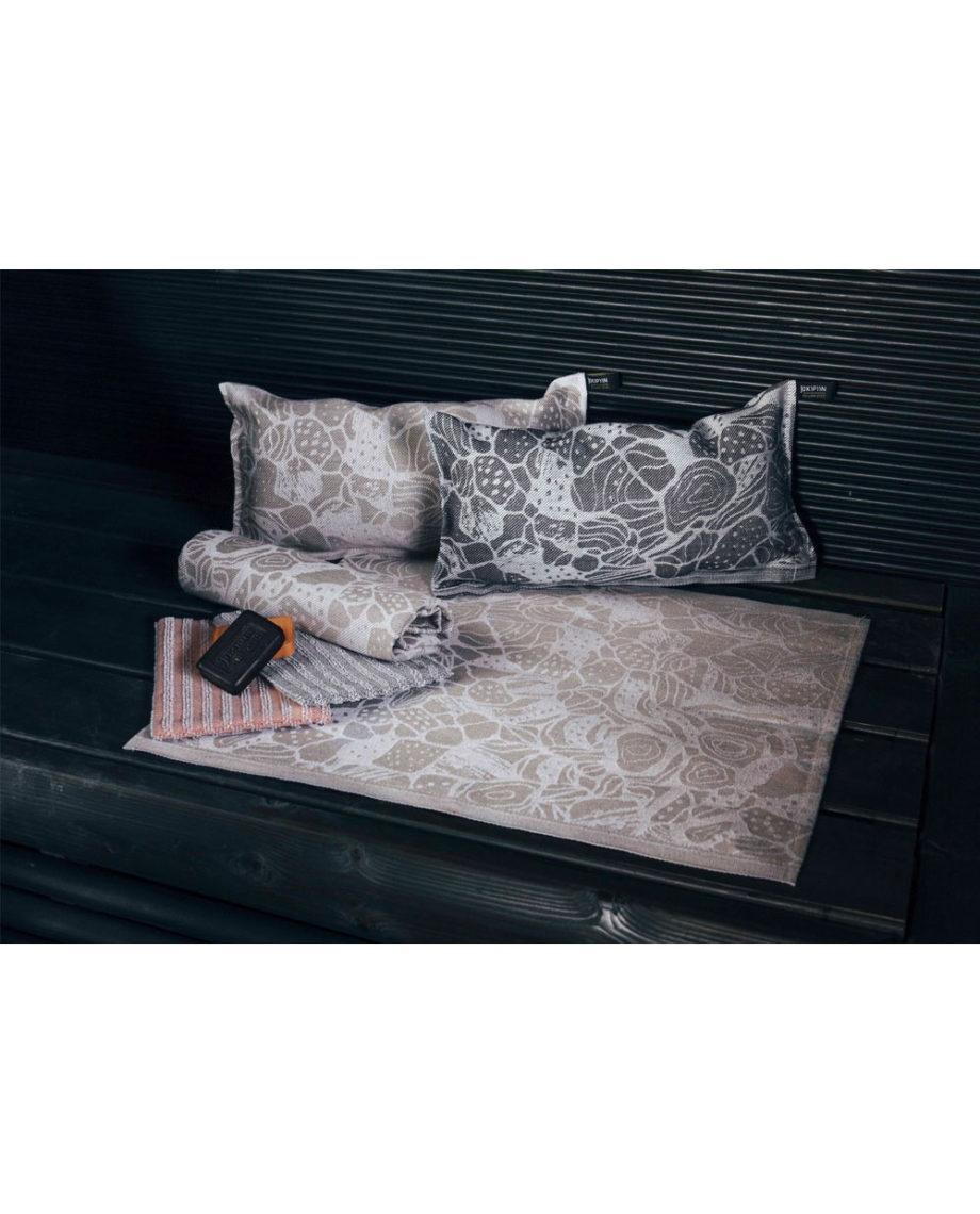 Hiekkaranta-tyyny-detail