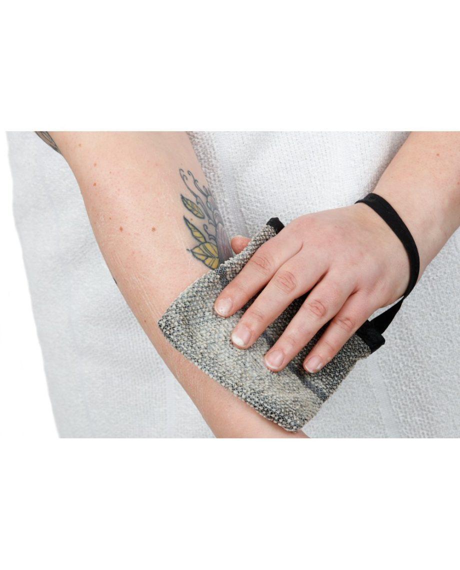 saippuapesin kädet laituri luonnonväri musta WEB